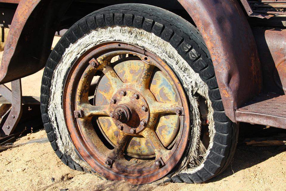 tire-416189_960_720